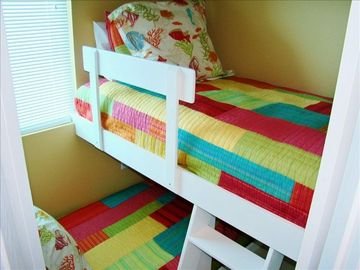 Children's Bunk Room with two twin beds TV/DVD