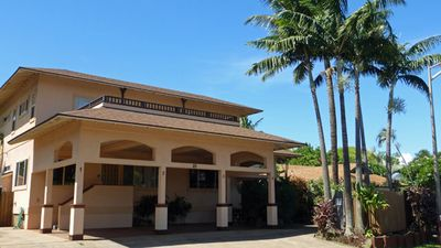 Kaiholo Hale - Boutique Hotel with four 1 - 2 bedroom suites, beach access 3min.