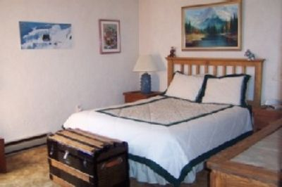 Glen condo rental - Master bed-Queen