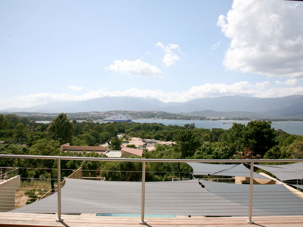 villa piscine vue mer porto vecchio corse homelidays. Black Bedroom Furniture Sets. Home Design Ideas