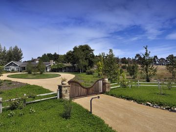 Solvang estate rental - .
