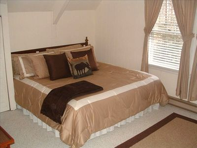 Beech Mountain chalet rental - Spacious Loft with King Bed on One Side