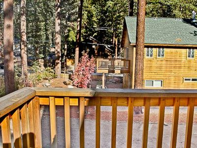 Walk to the beach! 3 Bedroom with Hot tub sleeps 10! Minutes from Northstar!