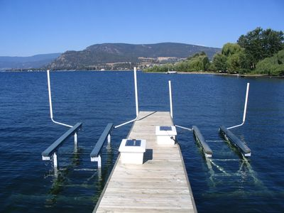 dock with power lift