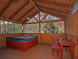 Pigeon Forge cabin photo - Deck With Hot Tub And Picnic Table