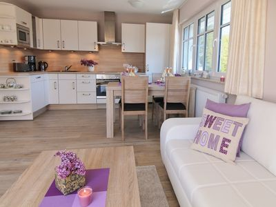 Beautiful, modern apartment with south-west balcony and 2 bedrooms, 2-5 pers.