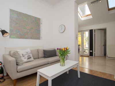 Charming home sleeping 8 located in trendy Camden, close to the tube (Veeve)