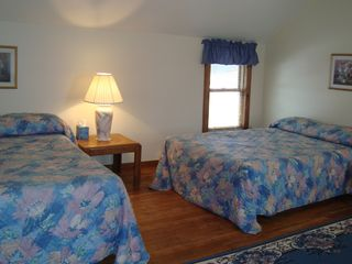 Lake Ann farmhouse photo - Middle Bedroom