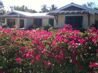 Beach Cottage Bungalow With Pool, White Sand Beach Within 100 Yards