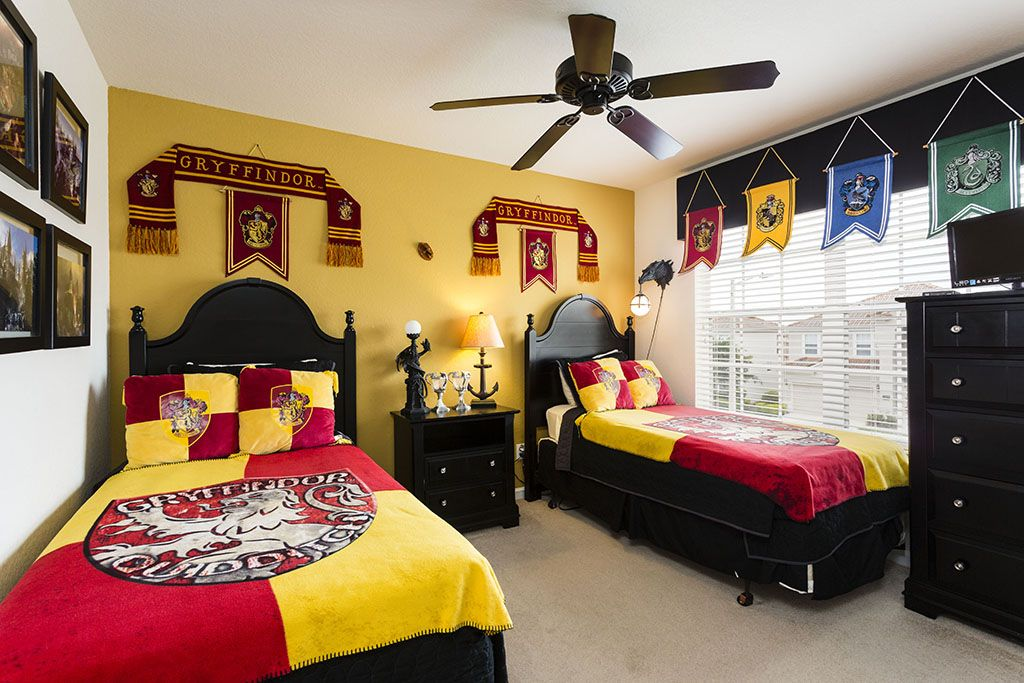 d coration th me harry potter pour chambres de sorciers. Black Bedroom Furniture Sets. Home Design Ideas