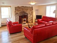 WADE HOUSE, pet friendly, with a garden in Aberfeldy, Ref 21597