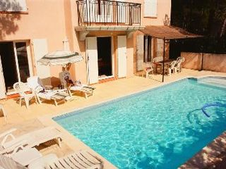 Mallemort-De-Provence villa photo - Swimming pool 8mx4m, alarmed, shaded dining area