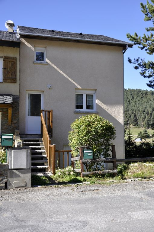 Check for Piani chalet sci
