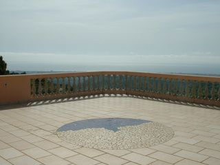 Gerace villa photo - very large rooftop terrace,