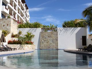 San Jose del Cabo condo photo - Salt water swimming lap pool