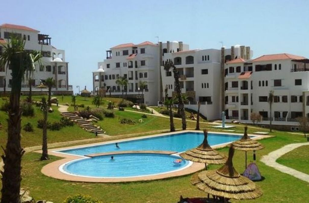 Bright and charming apartment -Lilac's Garden, sea view, mountain and pool
