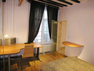 4th Arrondissement Pompidou Le Marais apartment rental - bed room with office place