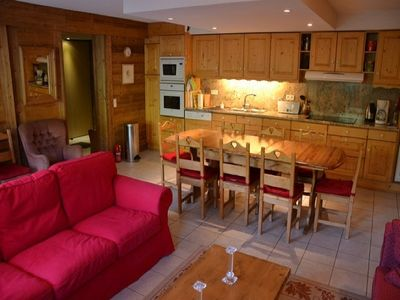 4 bedroom apartment in Grand Bornand, large terrace, 200m track
