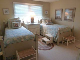 Avalon cottage photo - 5th Bedroom, Twin beds with steps and benches for younger children