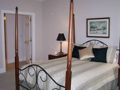Master Suite # 1 - Queen Bed