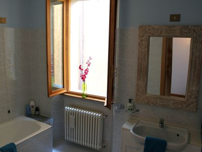 Remodeled Full bathroom w/tub and shower