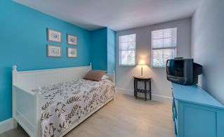 Key Largo townhome photo - Guest bedroom, second floor featuring a daybed with trundle