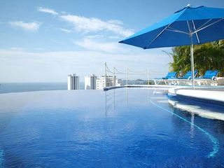 Acapulco villa photo - Enjoy the Best Margaritas from Your Swim Up Bar