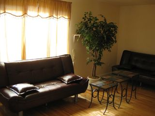 Staten Island house photo - Living-room with 2 sofa-beds