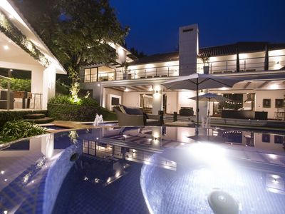 image for Private pool, Jacuzzi, Volcanoes, Oh did we me mention Golf! Pack Light, Relax!