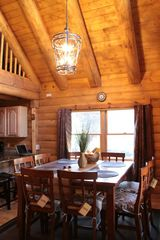 Lake Arrowhead cabin photo - Our High ceiling dining room