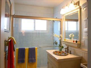 Marina del Rey condo photo - Full bathroom with mexican sink and colorful towels