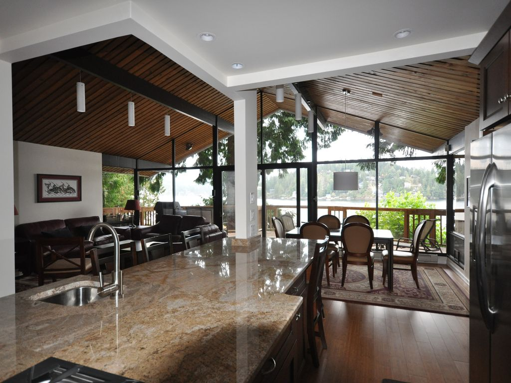 stunning waterfront 5 bedroom home with  homeaway