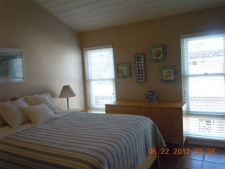 Del Mar condo photo - queen bed in loft bedroom