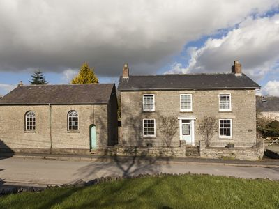 Situated in the heart of the Radnorshire Valley close to Offa's Dyke Footpath