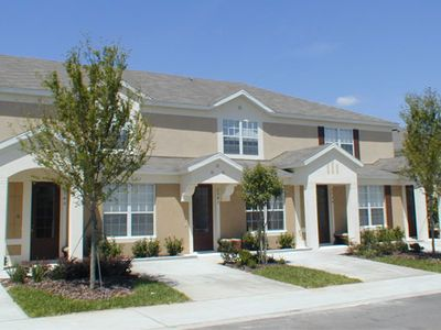 Luxury 3B/3B Disney Town home that sleeps up to 8 people. with private splash pool