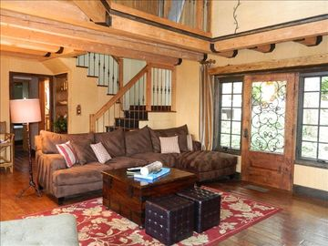 Lake Arrowhead house rental - Two story family room with fireplace