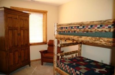 Den (3rd sleeping room) has bunk beds