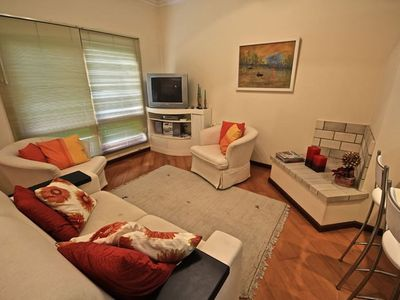 Beautiful triplex - great location - for up to 07 people