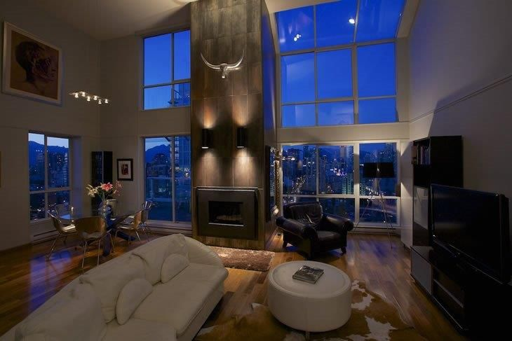 Luxurious Penthouse Dramatic Interior LUXURIOUS PENTHOUSE IN DOWNTOWN VANCOUVER VRBO