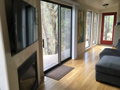 Newly renovated tiny home with amazing views of the Prescott National Forest! 🌲