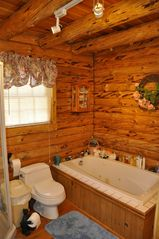 Allen Falls Flow cabin photo - Full Bath with Jetted Tub and Shower