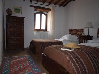 Antognolla farmhouse photo - Twin room