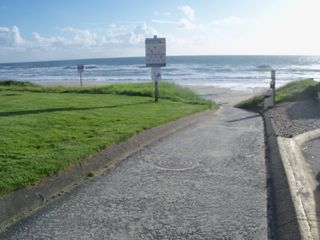 Lincoln City house photo - NW 40th Beach access
