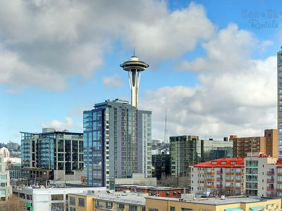 Stunning Space Needle view from the condo & large balcony