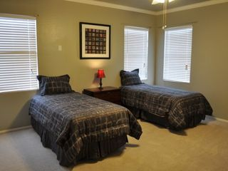 Chandler house photo - Upstairs Bedroom with Twin Beds