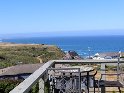 PELICAN VIEW WITH A SENSATIONAL 180 DEGREE OCEAN VIEW, LARGE EXPANSIVE DECK