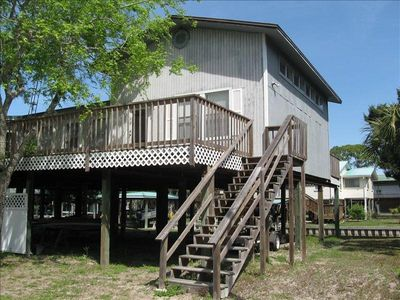 Big Decks--Big House--Open SpacesCanal Access to Gulf--Only Minutes Away