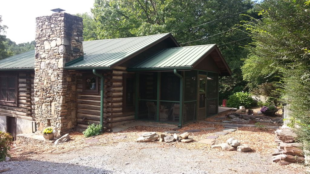 Charming log cabin near both asheville and vrbo for Rustic cabins near asheville nc