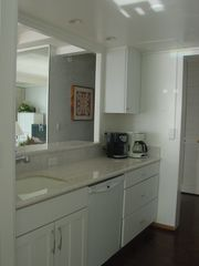 Lahaina condo photo - Kitchen