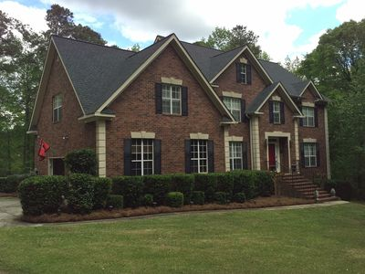 Pool, Lake, Relax!! Great for visits to the Augusta, Fort Gordon and Evans area